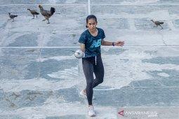 Latihan mandiri atlet Anggar di Karawang