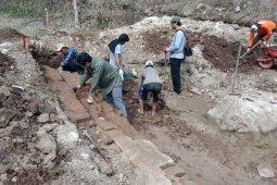 BPCB ekskavasi situs diduga petirtaan kuno di Kediri