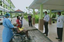 Pasien COVID-19 umur 84 tahun asal Jembrana dinyatakan sembuh