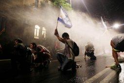 Protes terhadap PM Israel meningkat karena korupsi dan krisis virus corona