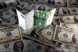 Dolar AS terjungkal dari level tertinggi 4 minggu, euro kian menguat