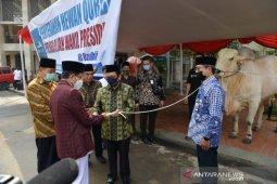 Wapres  berkurban sapi di Istiqlal dan Serang