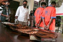 Penyelundupan satu kilogram sabu dalam sandal diungkap polisi
