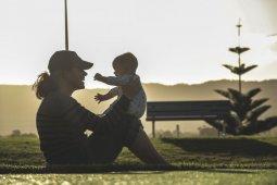 Benarkah bermain bareng anak tidak perlu ribet?