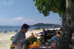 Objek wisata pantai di Lampung mulai dipadati pengunjung