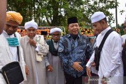 Bupati Madina hadiri peletakan batu pertama pembangunan pesantren di Salambue