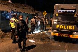 Lima terluka akibat kecelakaan beruntun mobil tabrak truk polisi dan ambulans bawa jenazah COVID-19 di Jember