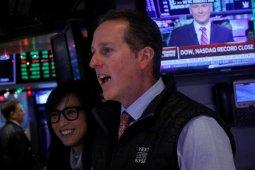 Wall Street naik di saat laporan laba dan data ekonomi beragam