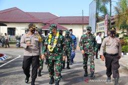 Kapolres Tapteng sambut kunjungan Pangdam l/BB ke Mapolres Tapteng