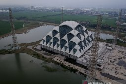 Pembangunan masjid Al Jabbar terdampak COVID-19
