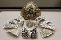 Masker COVID termahal berhias ribuan berlian