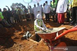 Gubernur Kalsel Letakkan Batu Pertama Pembangunan Masjid Bambu