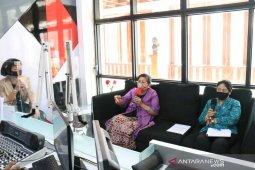 Putri Koster ajak kader PKK Bali kreatif produksi masker