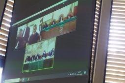 Jerinx tolak sidang online, Majelis Hakim skors sidang