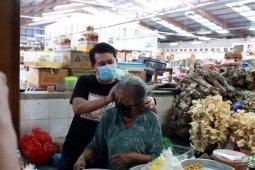 Jelang Galungan, Bupati Klungkung pantau pelaksanaan Protokol Kesehatan di pasar