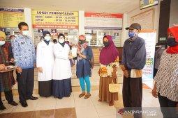 RSUD Tulungagung bagikan seribu masker peringati HKP se-Dunia