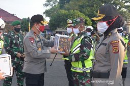 Ditlantas Jambi bagikan 4.965 sembako kepada warga yang terdampak COVID-19