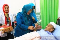 Ketua PKK Luwu Timur motivasi pasien  hemodialisis