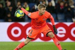 Arsenal rampungkan transfer kiper asal Islandia, Runarsson