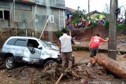 Pemkab Sukabumi tetapkan tanggap darurat banjir hingga 27 September 2020