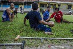 Permainan sepak bola tangan disabilitas