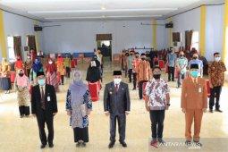 Pemkab Lutim lepas 33 guru peserta beasiswa pascasarjana