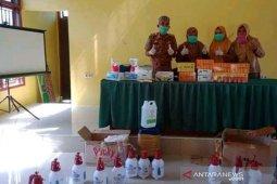 Tim Satgas COVID-19 Desa Mandiri Lutim bagikan vitamin
