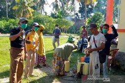 Satgas Tanggap COVID-19 Desa Mandiri lakukan penyemprotan Disinfektan