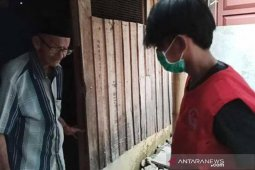 PRI Luwu Timur salurkan bantuan kebutuhan pokok kepada Lansia