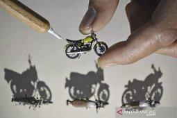 Kerajinan miniatur sepeda motor