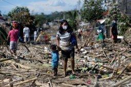 Topan Vamco landa Filipina