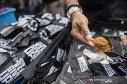 Rilis industri rumahan tembakau sintesis