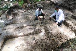Ekskavasi situs pertirtaan gunung klotok