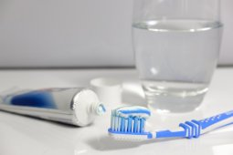 Dokter : Waktu tepat sikat gigi 30 menit setelah sahur