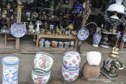 Pedagang barang antik