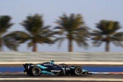 Pebalap Indonesia Sean Gelael akhiri balapan Formula 2 dengan finis di depan sang juara