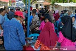 Ratusan warga ramaikan lokasi wisata kuliner di Donggala