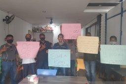 Warga pertanyakan kepastian penghitungan suara Pilbup Karimun ke KPU