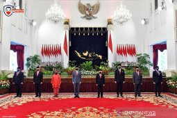 Menakar soliditas kabinet Joko Widodo menyongsong tahun bersejarah 2021