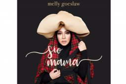 "Melly Goeslaw membawakan ulang lagu mendiang ayah ""Sio Mama"""
