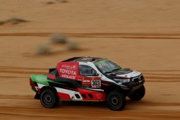 Al-Rajhi kalahkan juara Dakar 13 kali di etape 7