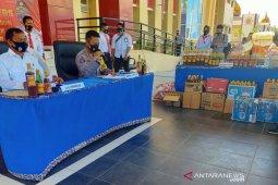 Polda Sulteng  sita ribuan botol madu ilegal di Kota Palu