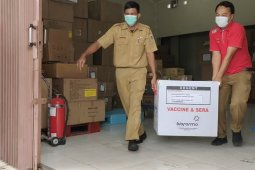 Dinkes Lampung distribusikan vaksin COVID-19 ke tiga kabupaten/kota