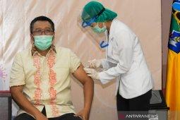 Gubernur dan Wagub NTB disuntik vaksin COVID-19