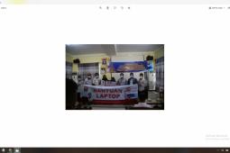 Bupati Pesisir Barat serahkan bantuan CSR kepada guru dan siswa berprestasi
