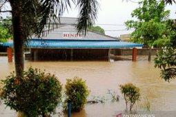 Mesin pompa air PDAM Tirta Kepri  belum berfungsi karena terendam banjir