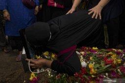 Pemakaman Jenazah Indah Halimah Putri
