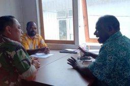 Danramil Karubaga lakukan komunikasi sosial dengan dinas kesehatan