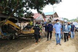 Nadalsyah tetap komitmen bantu Pemkab HST pemulihan akses jalan