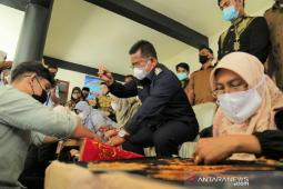 255 UMKM di Aceh Timur terima bantuan modal usaha thumbnail